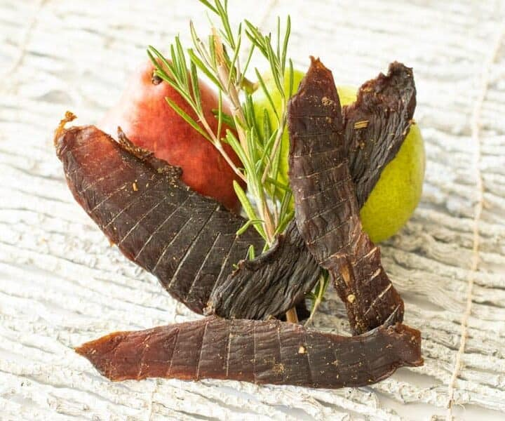 Venison jerky with pear and rosemary